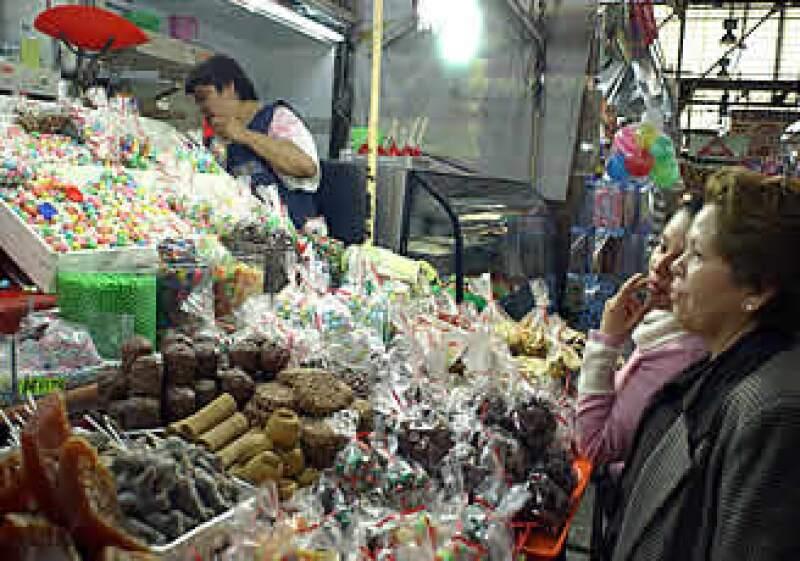 La cena de año nuevo puede llegar a ser un gasto oneroso para las familias mexicanas.  (Foto: Notimex)