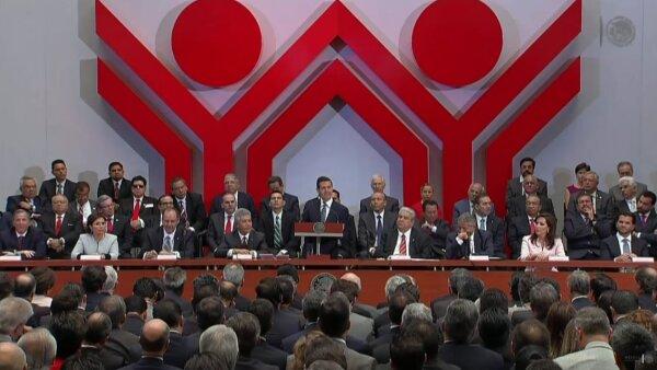 El presidente mexicano dijo ante los integrantes de la Asamblea General Ordinaria del Infonavit que impulsará el crecimiento de la vivienda.
