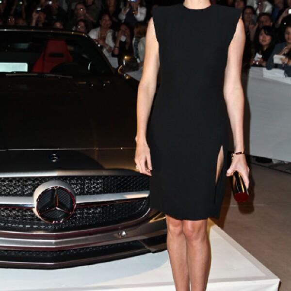 Charlize Theron fue merecedora de la tercera posición de la lista de hermosas.