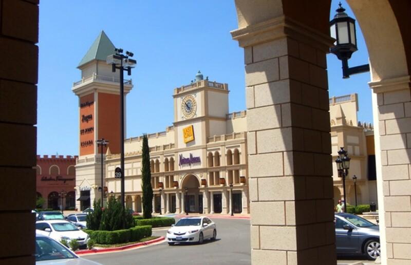 Como sabemos que te fascina ir de shopping… Quién.com y San Marcos Premium Outlets ponen a tu alcance una promoción que no te puedes perder.