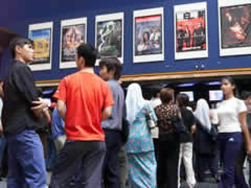 El precio promedio del boleto para ingresar a una sala cinematográfica en Estados Unidos es de 3.5 dólares. (Foto: AP)