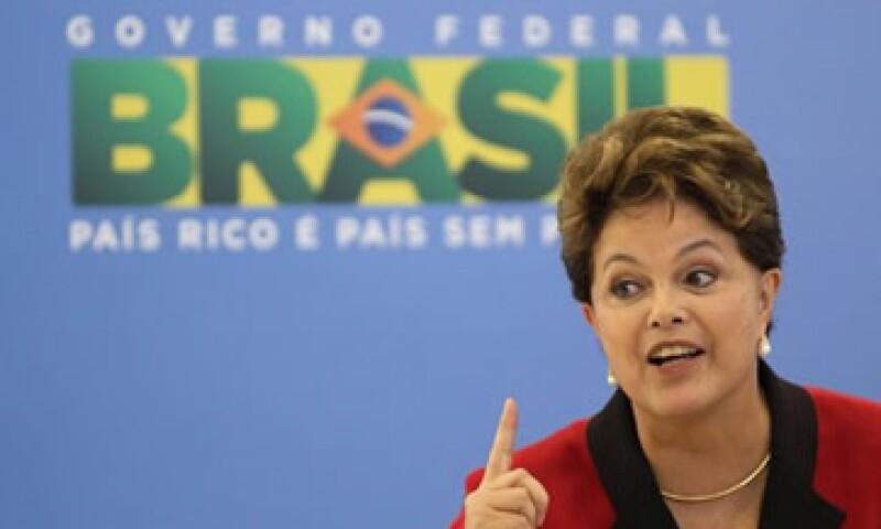 Con la tasa en 11%, los costos de endeudamiento en Brasil se mantienen como los más altos, algo que quiere cambiar Dilma Rousseff. (Foto: Reuters)