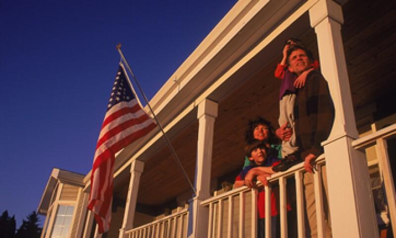 Las familias estadounidenses acumularon una masiva carga de deuda en momentos en que se expandía la burbuja inmobiliaria. (Foto: Getty Images)