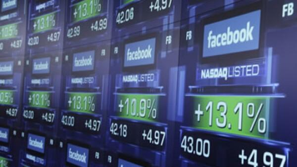 Se espera que Facebook reporte ganancias de 12 centavos por acción.  (Foto: AP)