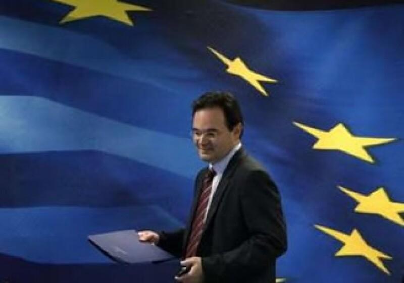 El ministro de finanzas griego, George Papaconstantinou, dijo que espera que el país deje la recesión más rápido. (Foto: Reuters)