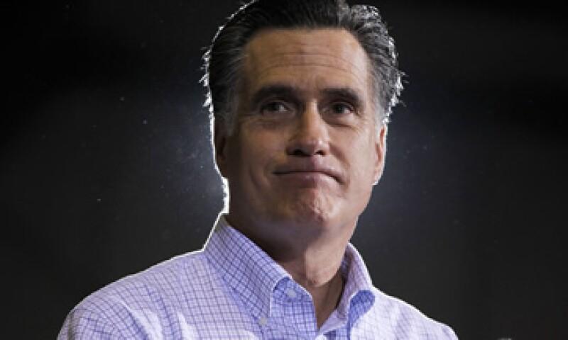 Romney quiere que los estadounidenses paguen menos impuestos sobre la renta, pero no ha dicho cuáles serán las nuevas tasas. (Foto: AP)