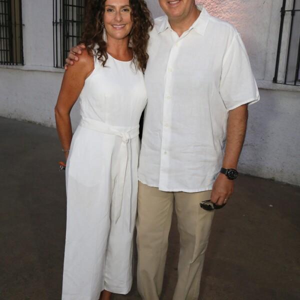 Karla y Arturto Peña.jpg