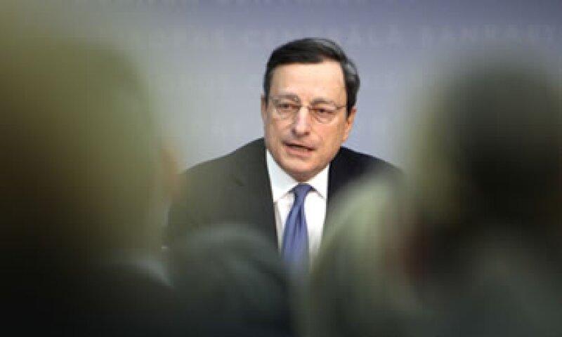 Gracias a los préstamos a la banca, los bonos gubernamentales de Italia, España y Bélgica han caído considerablemente. (Foto: AP)
