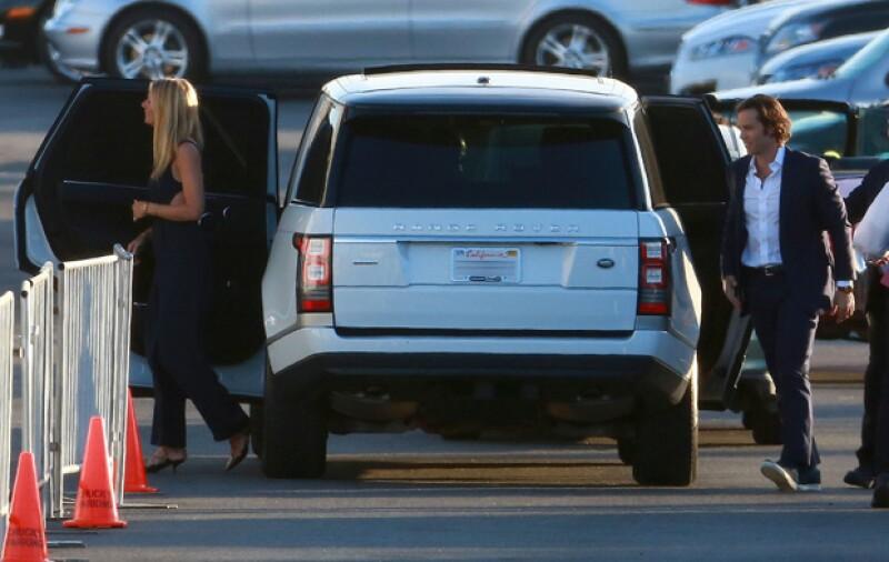 """Gwyneth Paltrow, su compañera en la película """"Iron Man"""", fue vista llegando con Brad Falchuk, su supuesta nueva relación."""