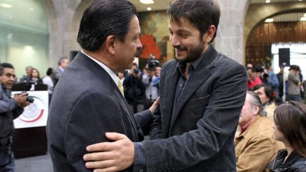 El actor pidió a los legisladores contribuir a que no se frene la industria fílmica nacional.