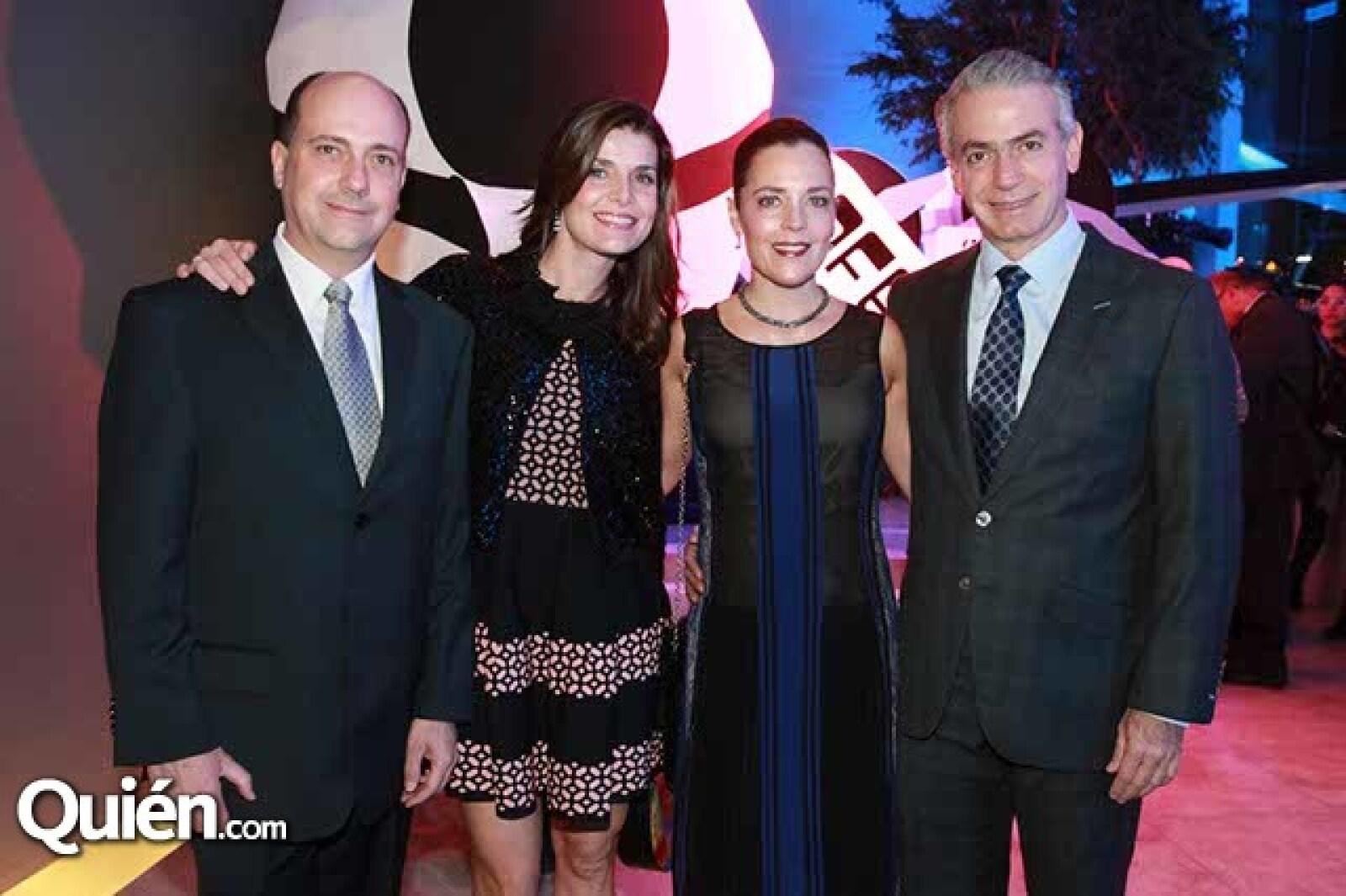 Mariano Domínguez,Ana Mayo,Verónica y Alejandro Vargas