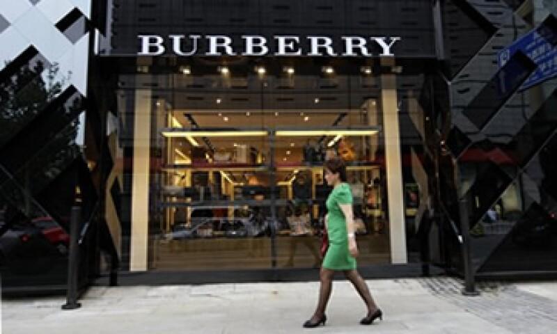 Burberry dijo que algunos de sus consumidores habían sido afectados por la tambaleante economía mundial. (Foto: Reuters)