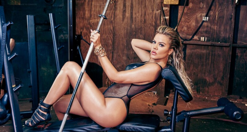La hermana de Kim Kardashian causó revuelo en internet al mostrar su ejercitada figura en Complex Magazine.