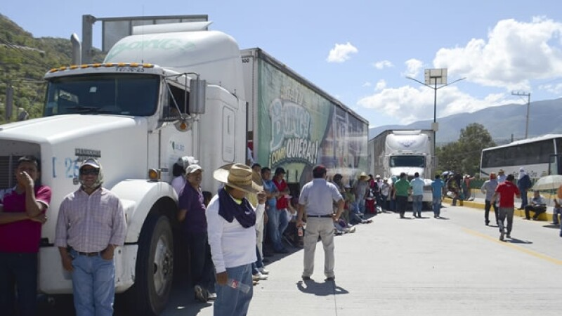 Bloqueos carreteros en Guerrero