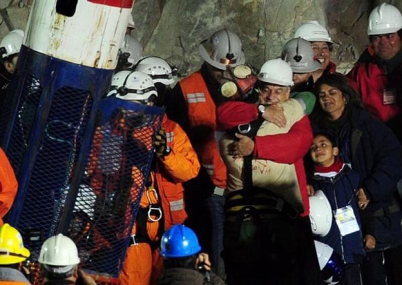 La diva actuará en una película sobre de los 33 mineros que quedaron sepultados en 2010, y pese a que ellos esperaban beneficios, no será así por el gran sueldo que cobrará la cantante.