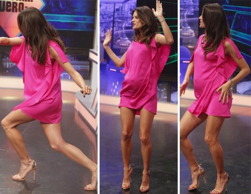 La sexy brasileña bailó con tacones a pesar de tener un embarazo avanzado.