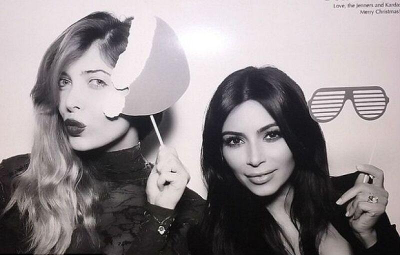 Brittny Gastineau y Kim Kardashian también se tomaron la respectiva foto del recuerdo en el photo booth.