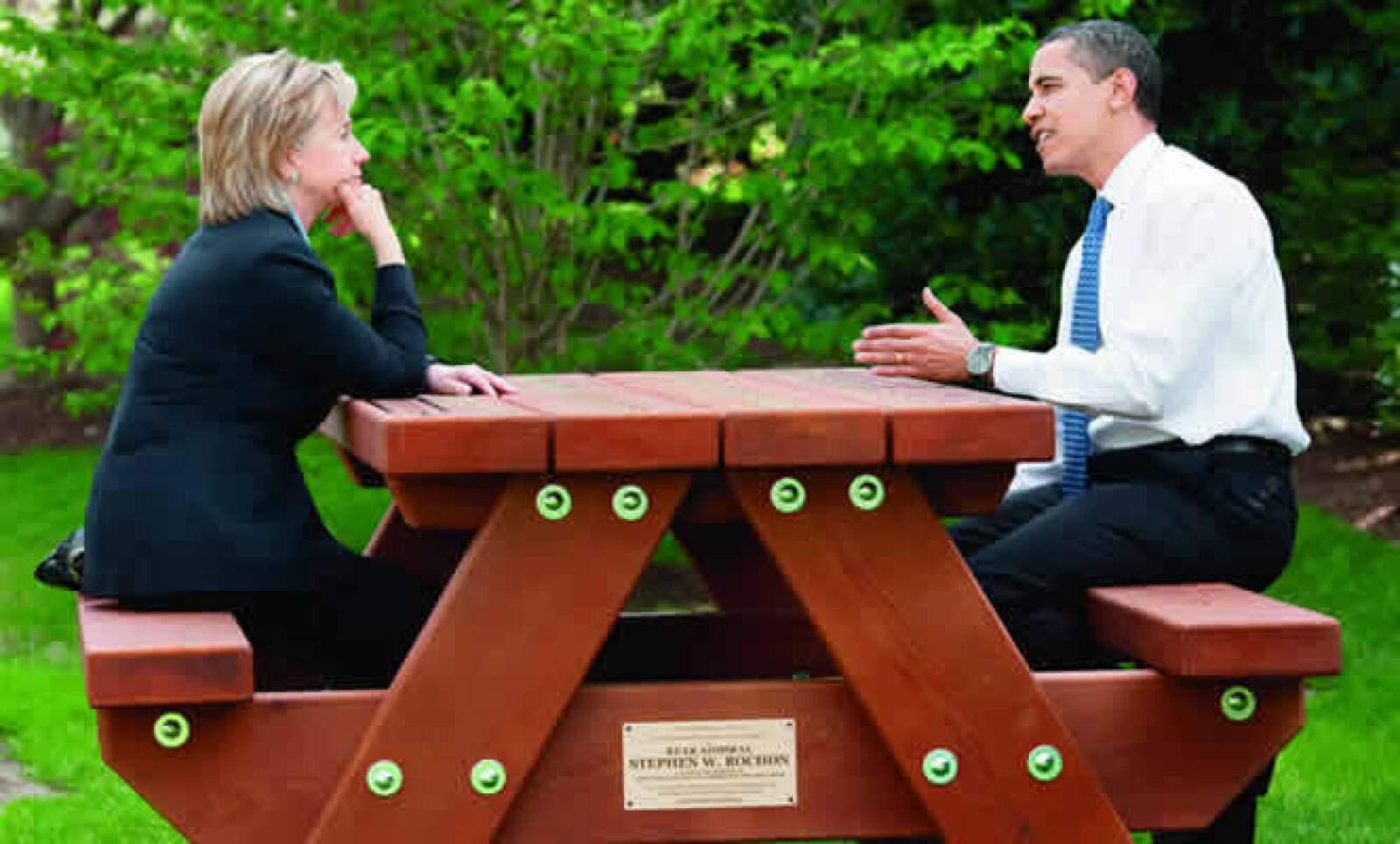 Hillary Clinton pasó de ser su más acérrima enemiga a uno de sus más incondicionales apoyos políticos como secretaria de estado.