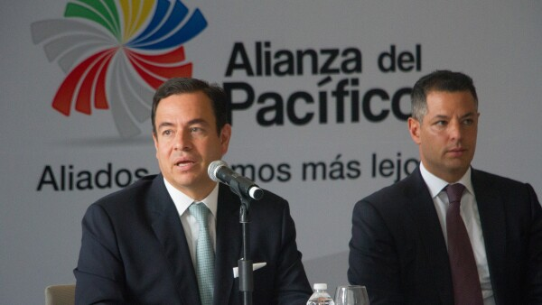 Paulo Carreño King y Alerjandro Murat