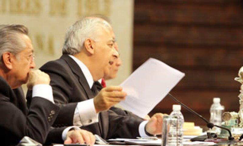 El presidente de la Mesa Directiva, Emilio Chuayffet, reinició la sesión ordinaria iniciada el viernes sólo para darla por concluida ante la ausencia del dictamen. (Foto: Notimex)