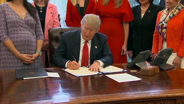 ¿Quiénes se verían afectados por el nuevo decreto de inmigración de Trump?