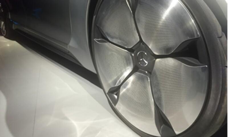 El modelo F015 es el prototipo de autos del futuro de Mercedes-Benz. (Foto: Francisco Rubio)