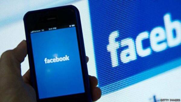 La red social ha sido señalada por dar prioridad a medios liberales frente a los más conservadores en sus trending topics en Estados Unidos.