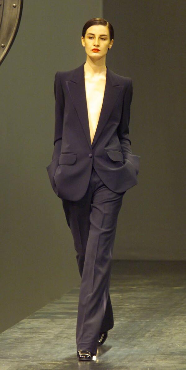 Paris Fashion Week - Ysl (yves Saintlaurent) Show Designed By Alber Elbaz.