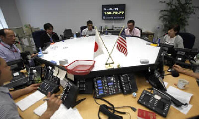 En Japón, el indicador más amplio Topix ganaba 2.17%  a 742,32 puntos. (Foto: Reuters)