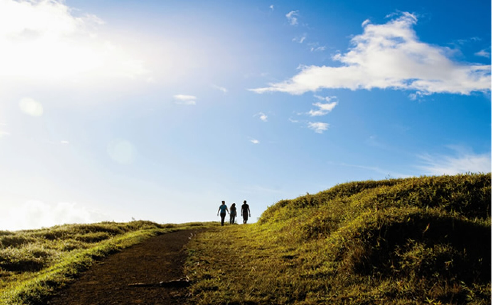 Si aún no tienes el lugar ideal para decirle adiós al 2012, la revista Travel + Leisure en su edición de diciembre te sugiere visitar el territorio secreto de Chile, mejor conocido como la Isla de Pascua.