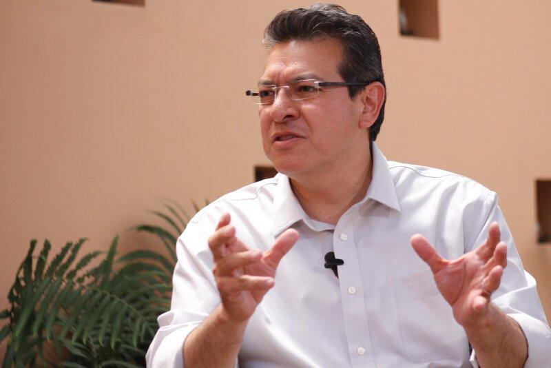 El candidato priista Marco Antonio Mena mantiene una ventaja de 6.4 puntos porcentuales por encima de su contrincante Lorena Cuéllar del PRD.