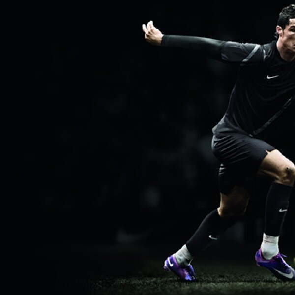 Es utilizado por Cristiano Ronaldo (Real Madrid), Didier Drogba (Chelsea), Zlatan Ibrahimovic (Milan AC) y Neymar (Santos de Brasil).