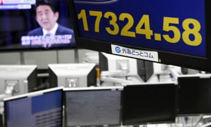 El Nikkei recortó sus ganancias y cerró con un avance de 0.4%. (Foto: Reuters )