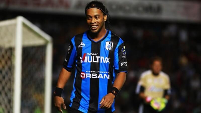 Los aficionados del norte del país se quedarán con las ganas de ver jugar a Ronaldinho; problemas estomacales lo alejan de las canchas