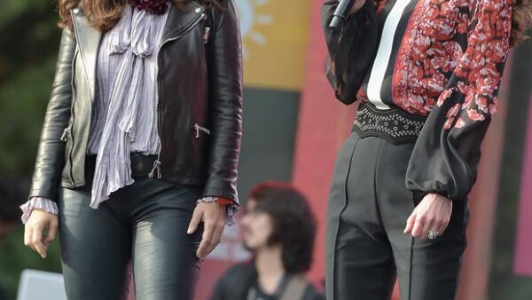 La actriz y la reina se pronunciaron en contra de la pobreza a nivel mundial sobre el escenario del Global Citizen Festival, en Nueva York.