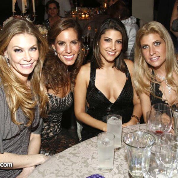 Lili Henaine, Ivette Wichtendahl, Sylvana Beltrones y Paulina Díaz Ordaz