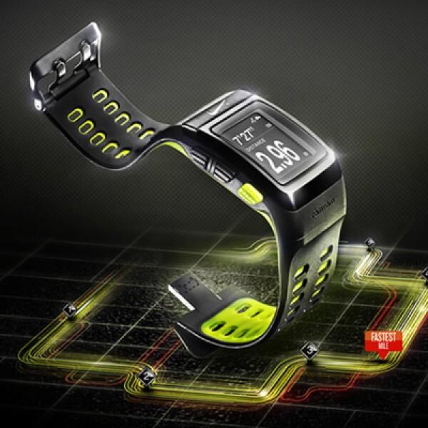 El reloj Nike+ Sportwatch permite a los corredores monitorear su ritmo, distancia, tiempo, consumo de calorías y ritmo cardiaco.