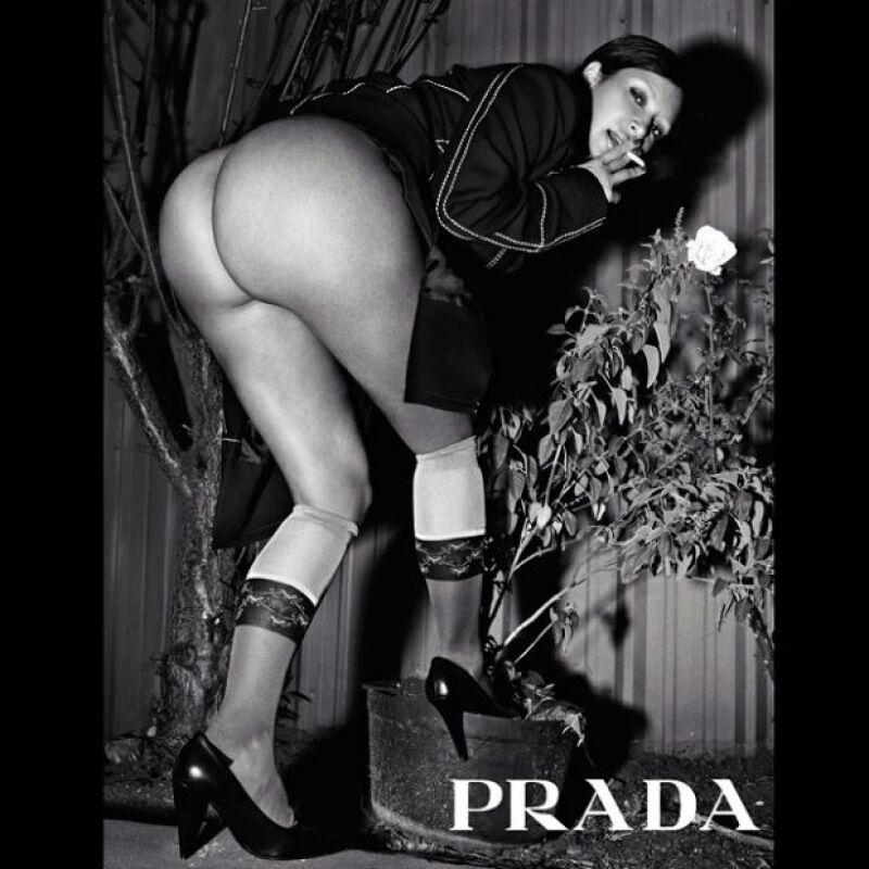 Kim nuevamente rompe el internet con sus fotos al desnudo en Love Magazine.