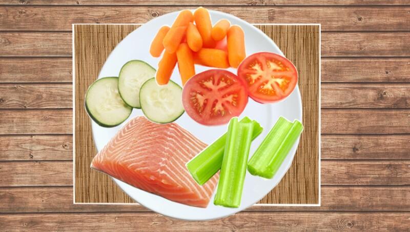 Consume alimentos altos en agua, vitamina C y omega 3.