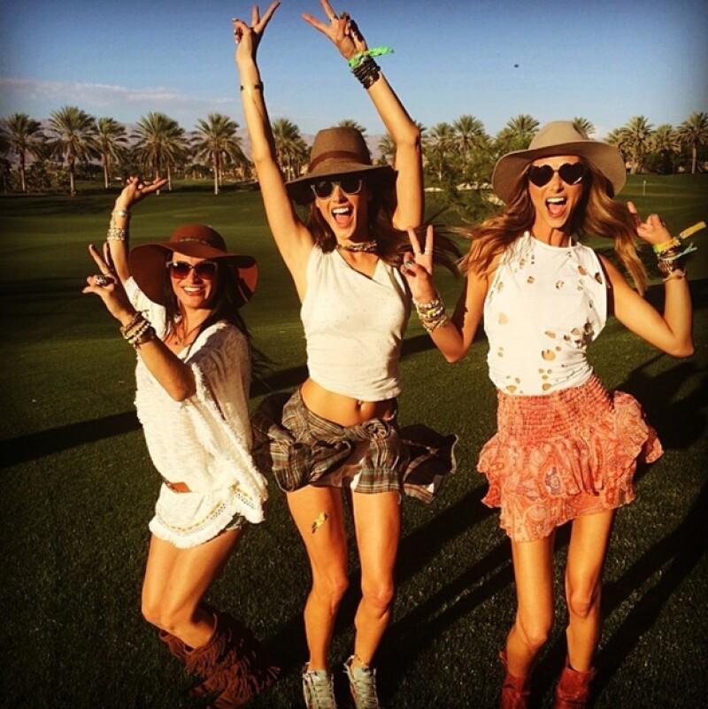 Junto con sus amigas, Alessandra se preparó desde temprano para disfrutar de un día de sol y mucho ambiente musical.