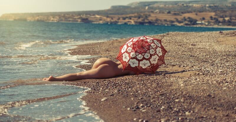 Resultado de imagen para playa nudista