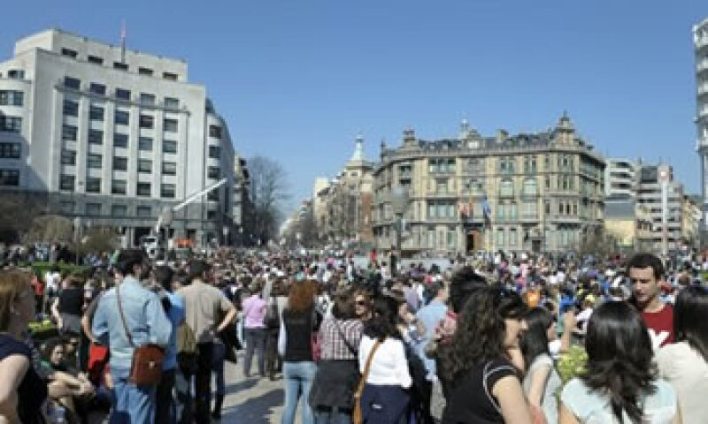 La reforma laboral en España abarata el despido y permite una rebaja unilateral de salarios. (Foto: Reuters)