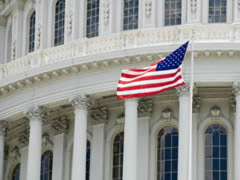 Los legisladores negociarán una versión final del plan de rescate económico. (Foto: Archivo)