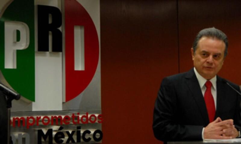 El presidente del PRI, Pedro Joaquín Coldwell, dijo que su partido apoya la iniciativa pero con cambios.  (Foto: Notimex)