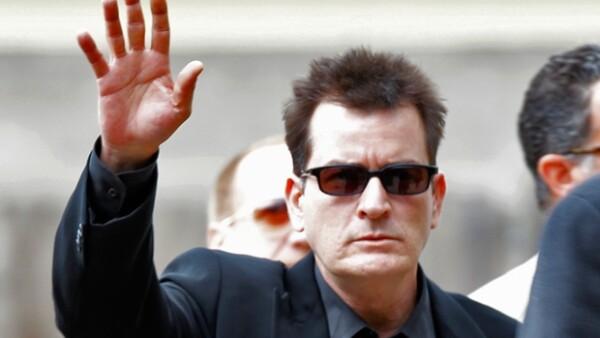 Todavía no hay nada confirmado, pero existen muchos rumores sobre un nuevo contrato del actor en la cadena Fox y de nuevos acercamientos de Warner Bros.