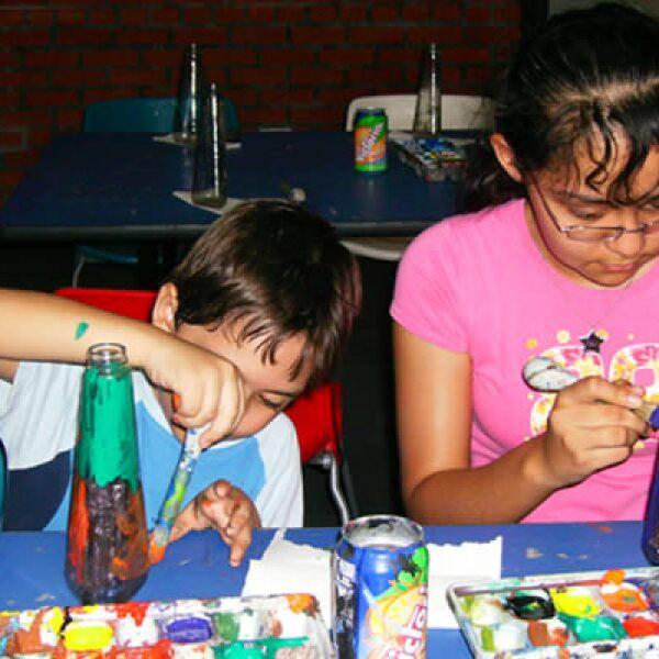 El Museo del Vidrio ofrece talleres y cursos que buscan estimular el talento creativo de los niños.