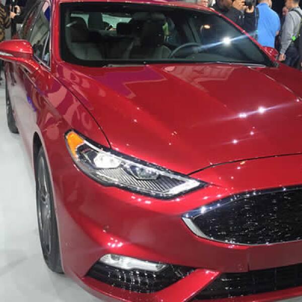 Ford presentó una versión sport de su popular vehículo.
