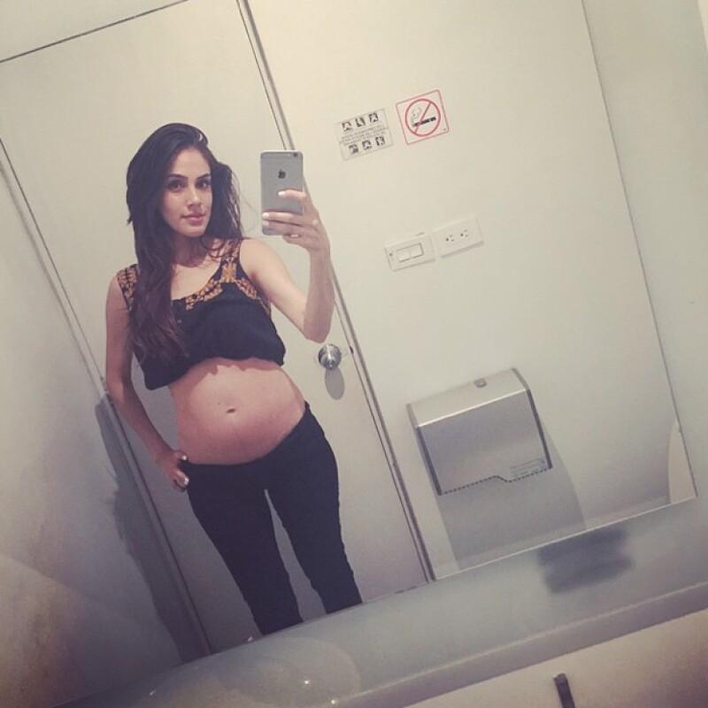 La actriz publicó en Instagram una imagen de cómo ha cambiado su cuerpo durante la espera de su primer bebé junto a su esposo Leo de Lozanne.