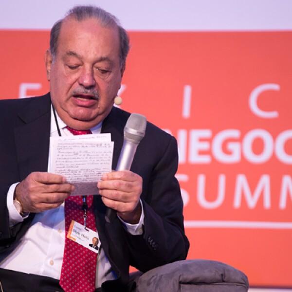 Carlos Slim consideró que para alcanzar un crecimiento de 5% anual, México requiere aumentar la inversión, mejorar el acceso a la educación y generar empleos formales.
