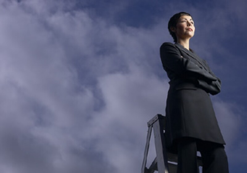 Una de las dificultades que enfrentan las mujeres es conjugar el mantenimiento de un negocio con el cuidado del hogar. (Foto: Jupiter Images)